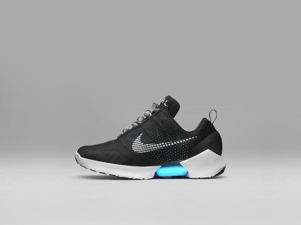 Nike_EARL_Profile_native_600