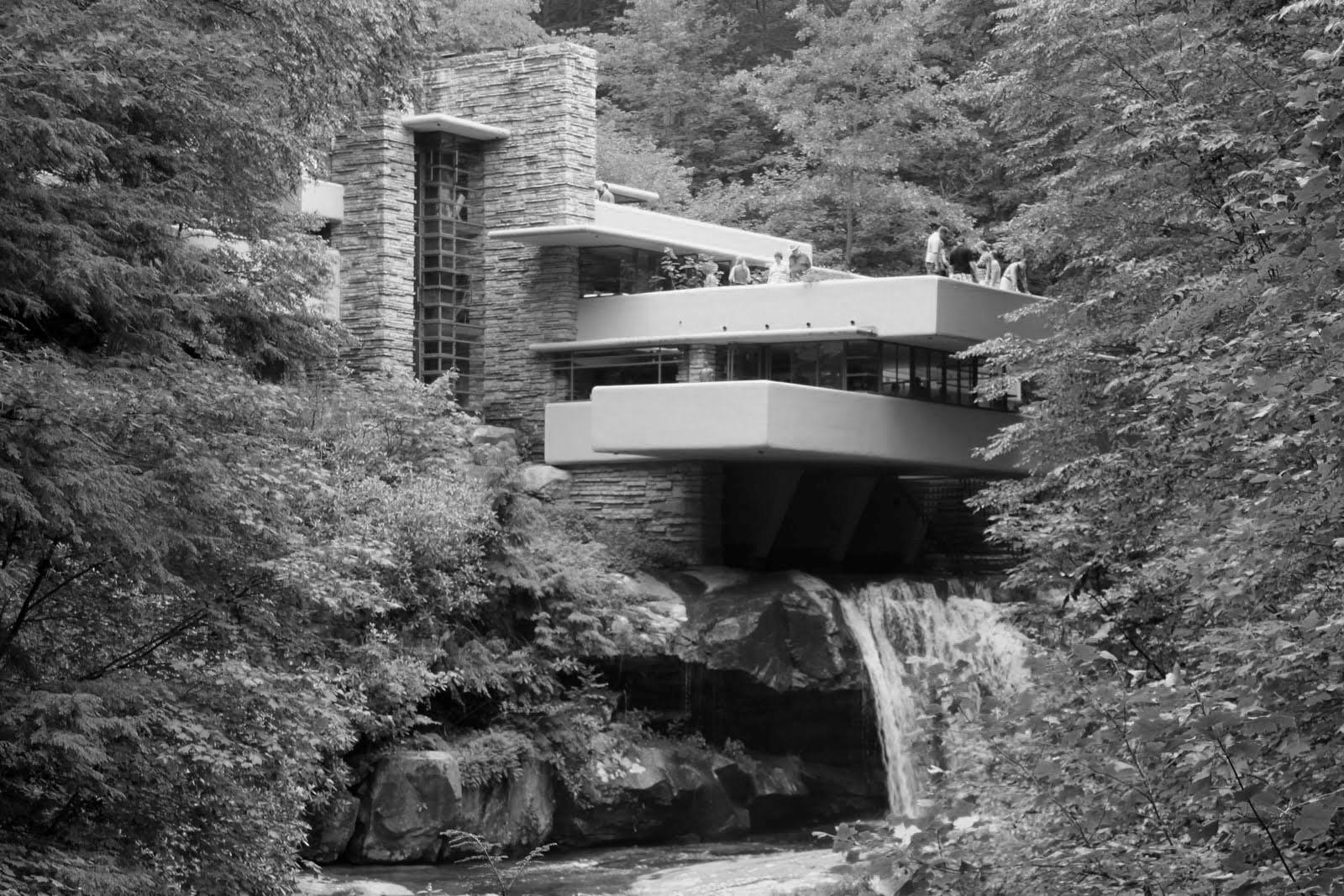 Casa de la cascada, Frank Lloyd Wright 1939. En el ámbito del diseño y la arquitectura posmoderna, la frase 'Form follows function' adquirió una relevancia e influencia que sigue latente hoy en día