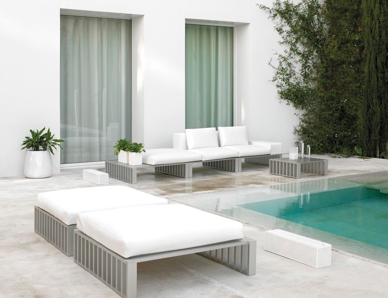Proyecto DOCKS, en forma de tumbona o sofá de exteriores.
